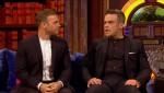 Gary et Robbie interview au Paul O Grady 07-10-2010 7a2213101824025