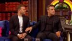 Gary et Robbie interview au Paul O Grady 07-10-2010 9935fc101822530
