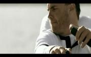 1ère photo du nouveau clip vidéo de TT à 5!!!!!! - Page 5 C004f7102726087