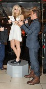 Nov 20, 2010 - Pixie Lott - Switching on Xmas Lights - Lakeside Shopping Centre in Essex 179401108405278