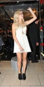 Nov 20, 2010 - Pixie Lott - Switching on Xmas Lights - Lakeside Shopping Centre in Essex 9520c5108405322