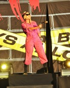 Keri Hilson performing at the Time Warner Cable Music Pavillion, 15 July, x7