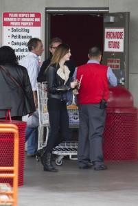 Алиана 'Али' Лохан, фото 171. Ali Aliana 'Ali' Lohan - Costco supermarket, Marina Del Rey - 10/11/11, foto 171