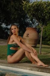 http://thumbnails30.imagebam.com/18455/35d5b6184543377.jpg