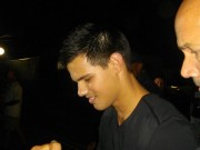 Taylor Lautner on the set of 'Abduction' Dc09b298523163
